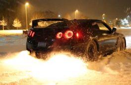 دریفت در برف با گودزیلا!!!
